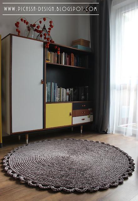 Dziergany dywan szydełkowy