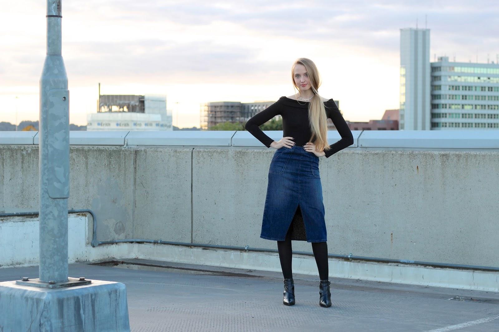 Styling a denim midi skirt fashion blogger street style