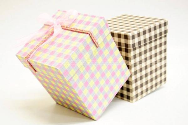 in hộp quà tặng đẹp