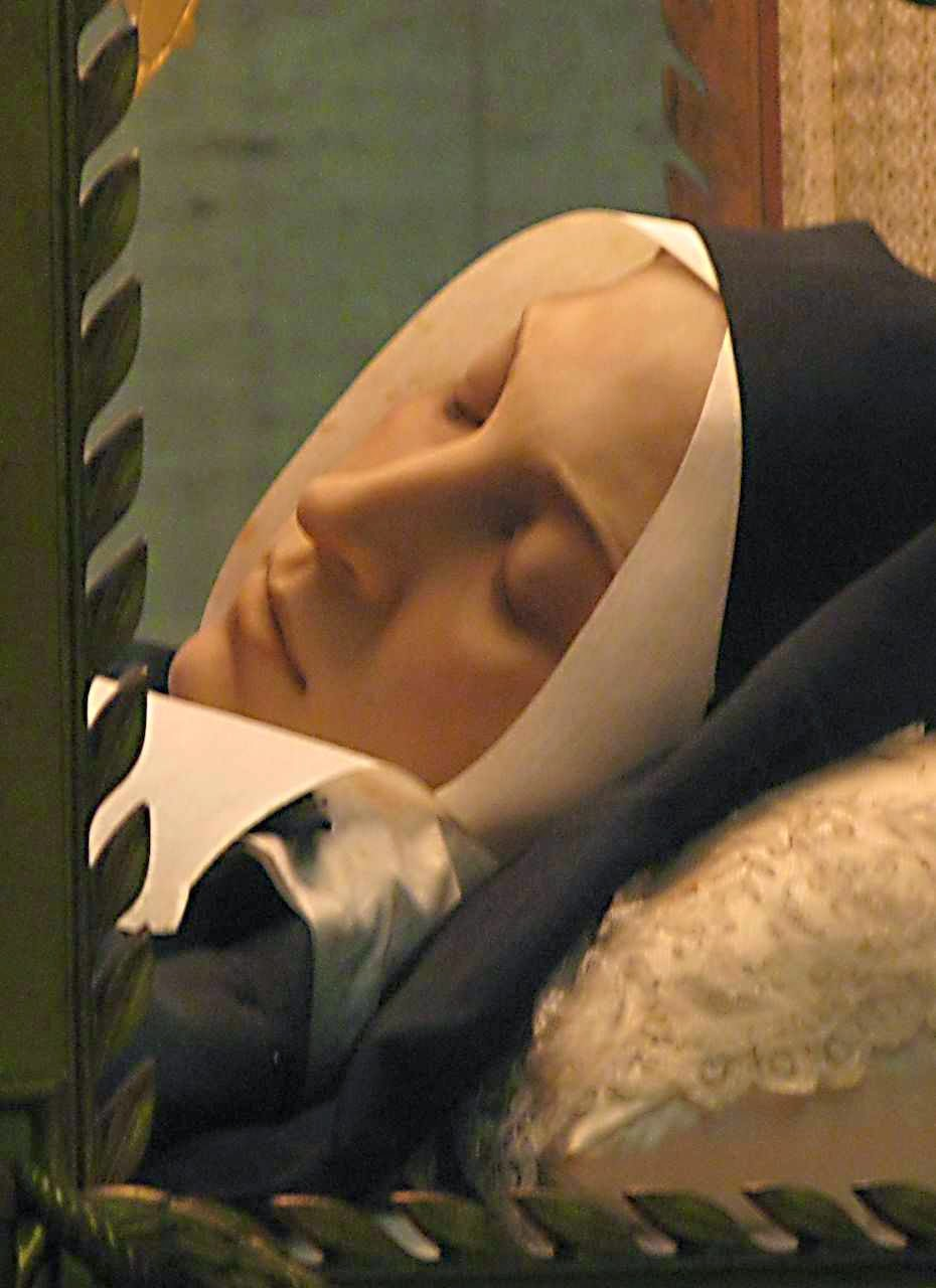 Santa Bernadette: corpo incorrupto em Nevers, França.