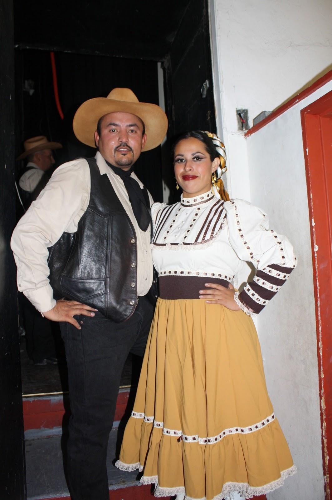 Traje Tipico De Nuevo Leon