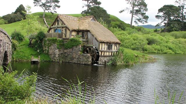 Rekreasi di Rumah Hobbit, Tertarik?