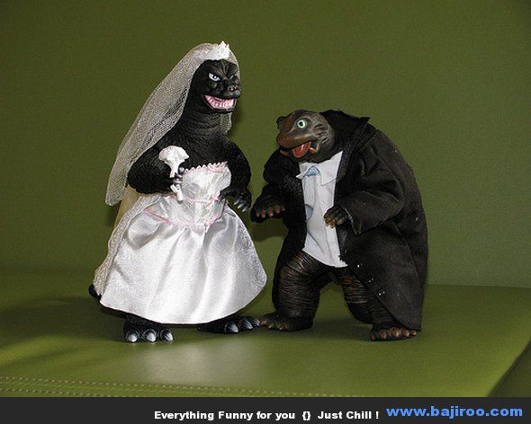 unique funny wedding cake toppers viralands 15 of the most dumb wedding cakes i seen 21429