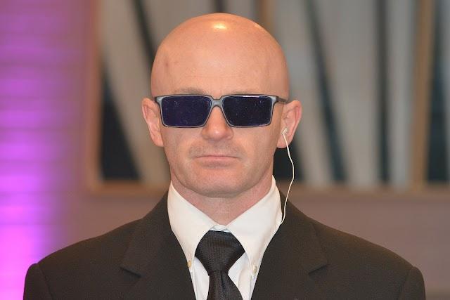 बॉडीगार्ड काला चश्मा क्यों पहनता है . Why Bodyguard wear black goggle