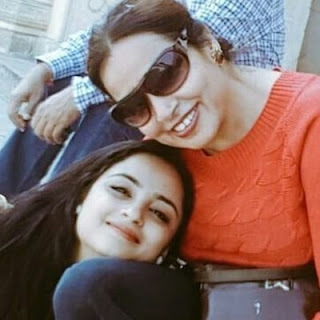 Madirakshi Mundle age, marriage, in siya ke ram, family, husband name, ashish sharma and, marriage photos, twitter, facebook, instagram, hot, images, wiki, biography