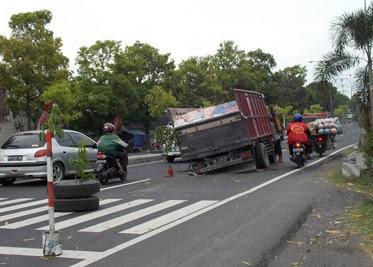 as truk patah