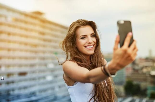 Tips Berfoto Selfie yang Aman Saat Liburan