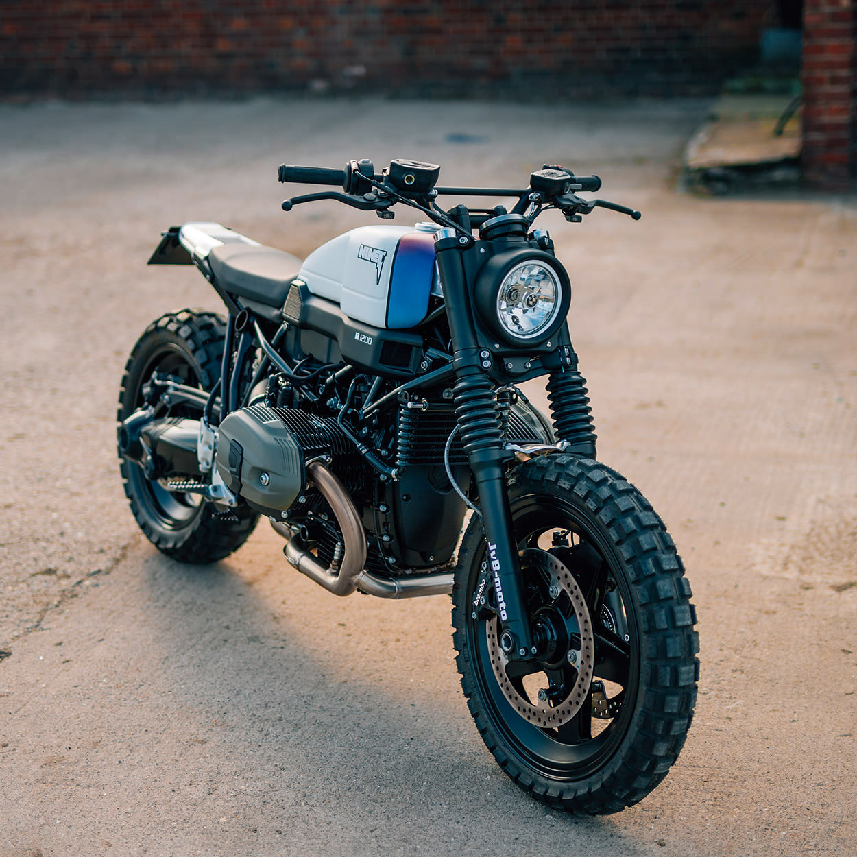 Racing Caf U00e8  Bmw R Ninet Scrambler By Jvb