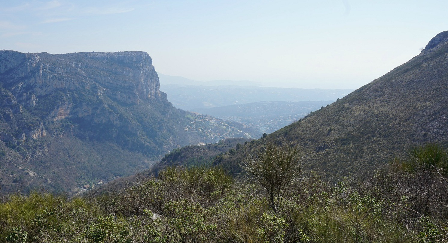 Baou de St-Jeannet seen from Plan des Noves