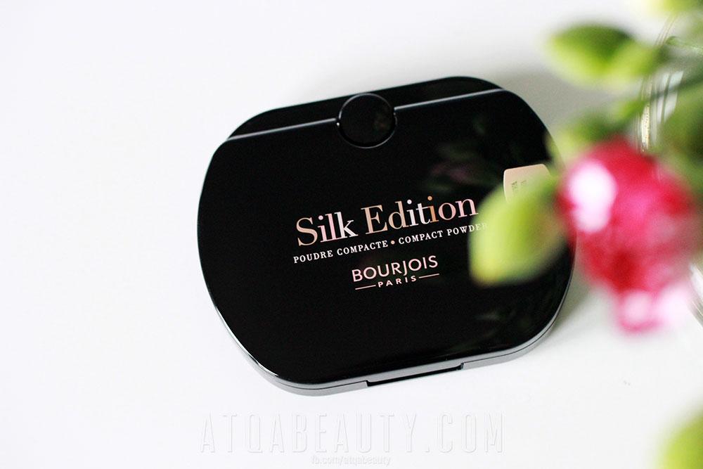 Makijaż :: Świetlisty mat <br>(Bourjois Silk Edition Compact Powder)