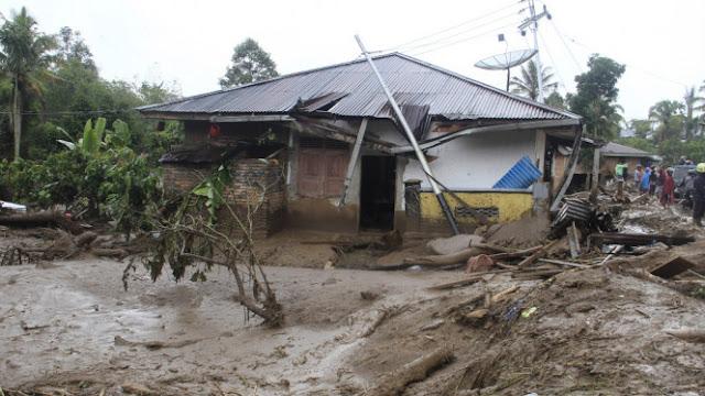 Polisi Usut Pembalakan Liar Diduga Sebabkan Banjir Bandang Tanah Datar