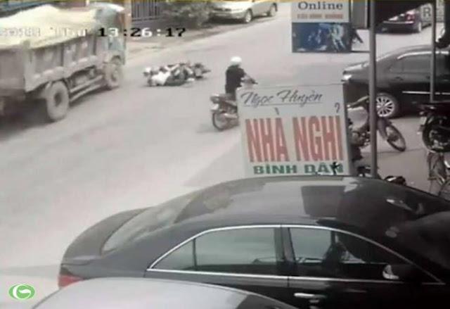 """Đóng bảo hiểm bắt buộc chỉ là tờ """"giấy lộn"""" khi xe gặp tai nạn, rất vô dụng?"""