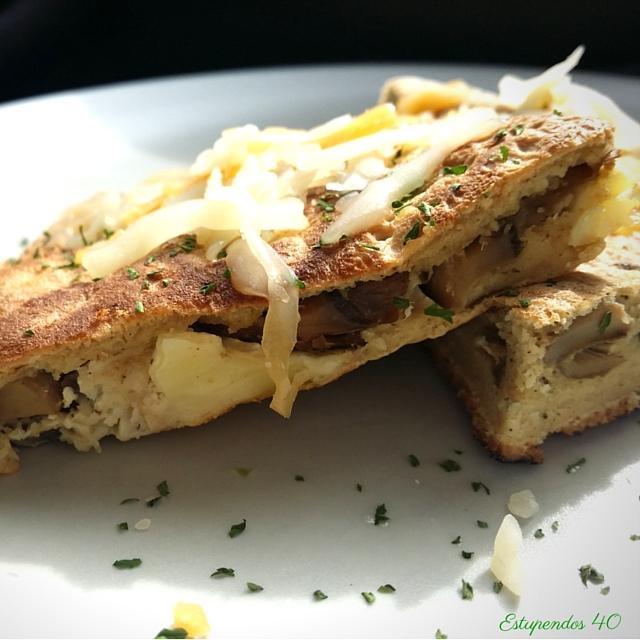 tortilla-de-avena-rellena-de-pollo-y-champiñones