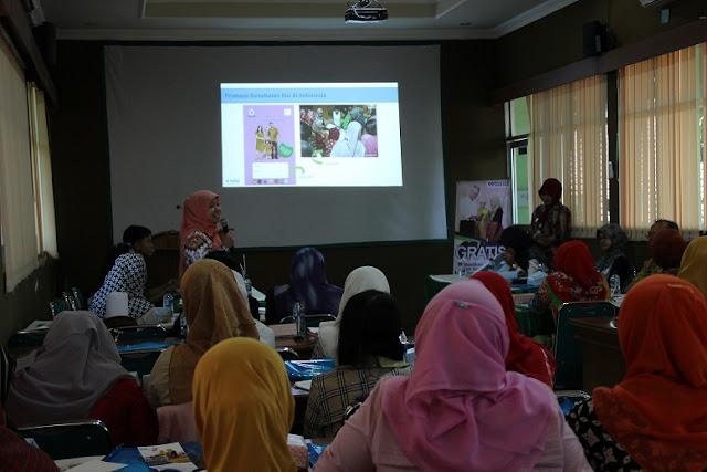 seminar upaya menekan angka kematian ibu dan bayi di Kabupaten Boyolali, Jumat (5/8/2016).