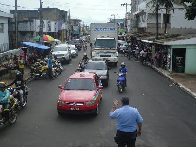 Resultado de imagem para fotos antigas da rua hugo de mendonça, em itaituba