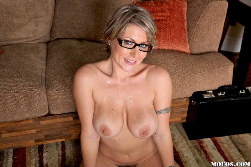 Nude blonde milf with glasses fisting