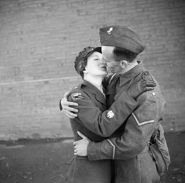 ATS officer 22 October 1941 worldwartwo.filminspector.com