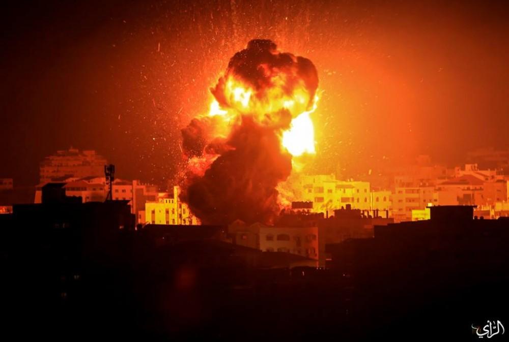 Pengecut, Zionis Israel Hancurkan Kantor Ismail Haniyah dan Hujani Gaza Dengan 100 Roket
