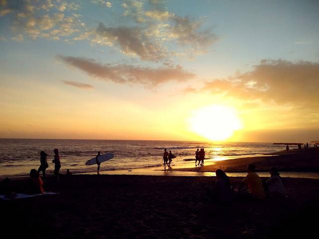 Pantai Batu Bolong