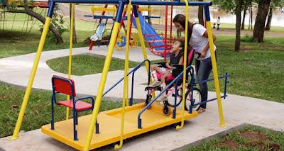 Parque infantil adaptado