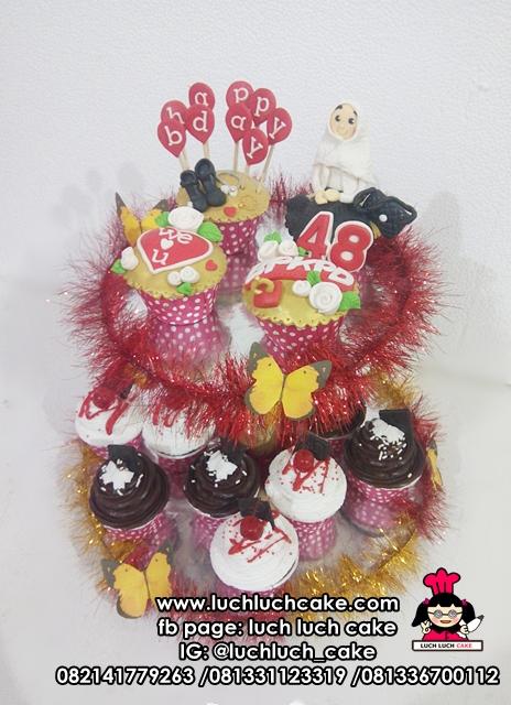 Cupcake Tier Cantik Untuk Ibu Bos