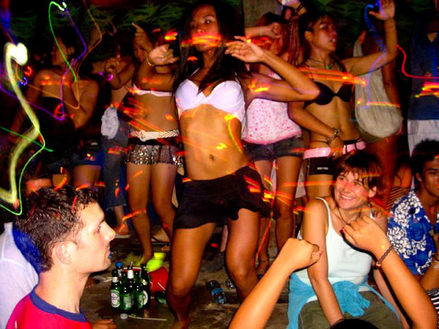 Koh Phangan Full Moon Party dates: dance music