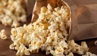 Προσοχή! Η κίτρινη ουσία στο ποπ κορν του σινεμά δεν είναι βούτυρο!