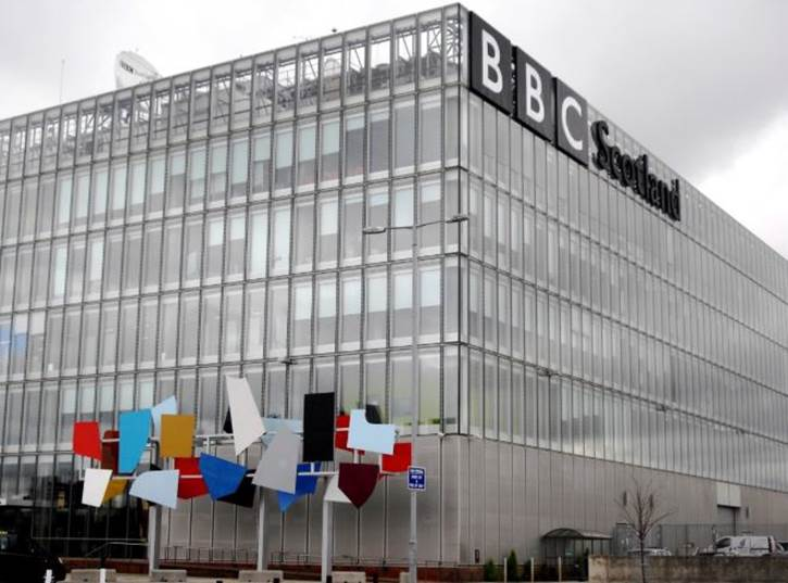 BBC Menarik Podcastnya dari Google Podcast dan Asisten