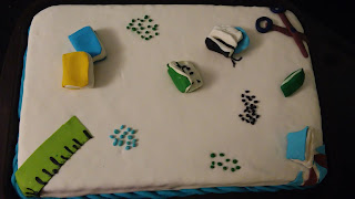 büyük pasta çeşitleri okul temalı