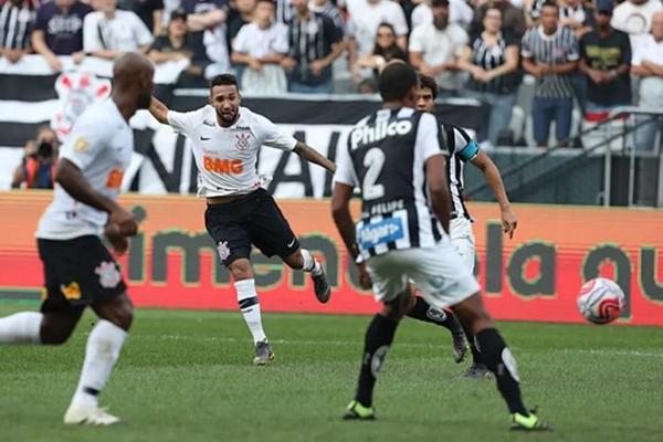 Corinthians vence Santos e fica em vantagem nas semifinais do Paulista
