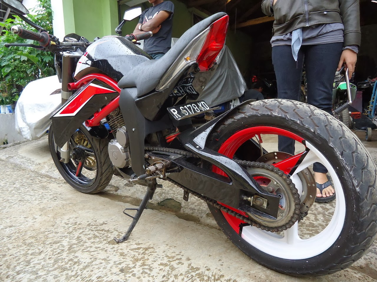 Modifikasi Motor Street Fighter R Way Collection