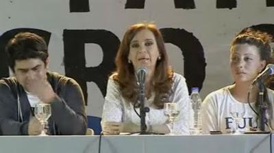 Cristina y los jóvenes universitarios en La Plata