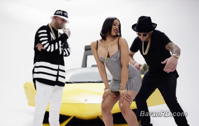 "Cardi B en el videoclip ""Chapi Chapi"" Cardi B juno a Farruko y Messiah"