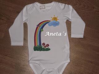 http://anetascamisetas.blogspot.com.es/2014/05/bodys-pintados-y-decorados-con-telas.html