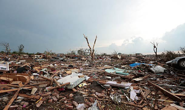 what effects do tornadoes have on people