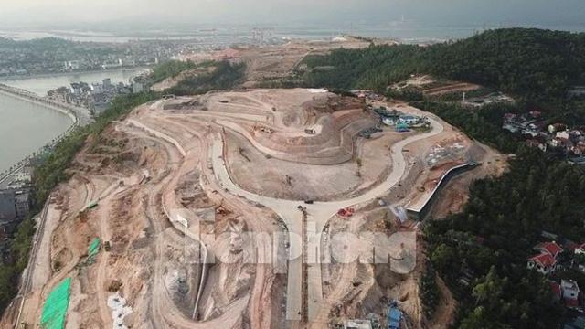 """Những ngọn đồi """"trọc đầu"""" vì dự án BĐS ở Hạ Long"""