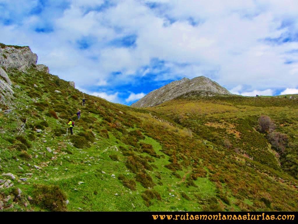 Ruta Peña Redonda: Descendiendo a Collado Chera