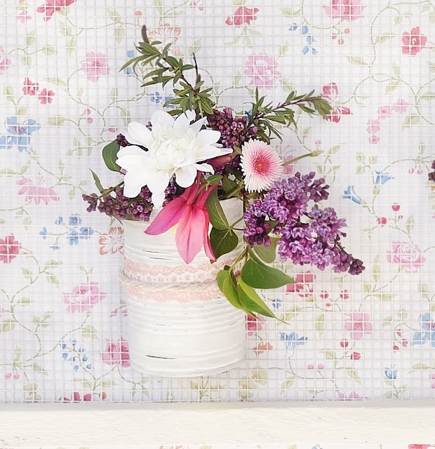 DIY-Deko: Vasen aus Dosen basteln.