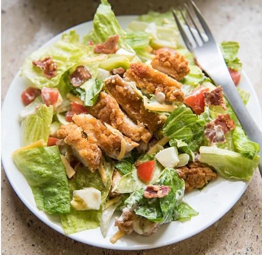 Crispy Chicken Cobb Salad #Salad #Easy