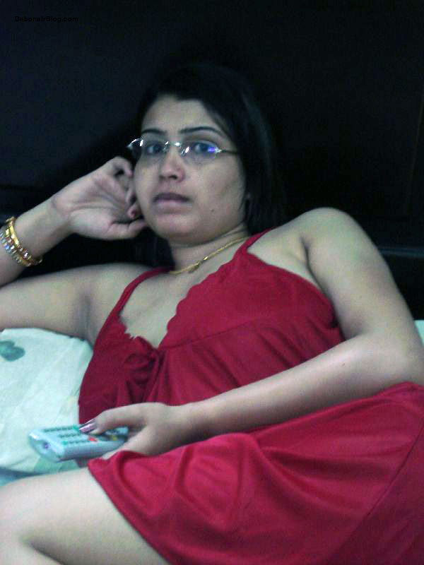 Indian Married Women With Red Night Dress Home Made -3944