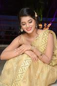 Yamini Bhaskar sizzling in saree-thumbnail-10