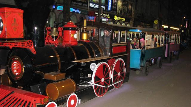 Поезд по улице Николаева