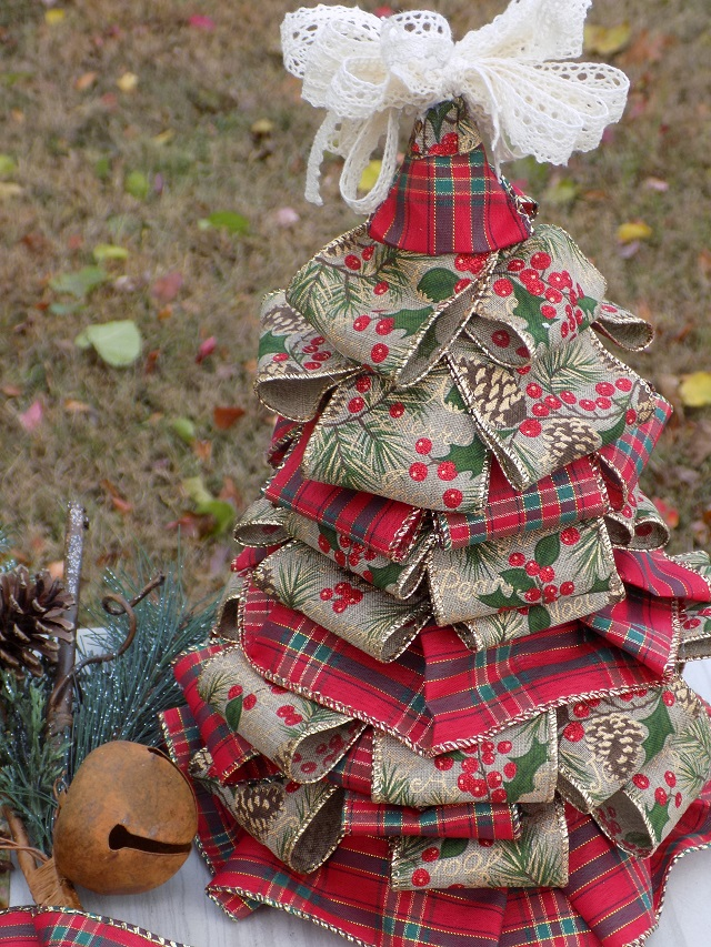 Make A Bow For A Christmas Tree