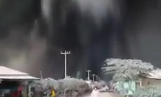 Video Heboh! Penampakan Fenomena Alam Aneh di Langit Medan
