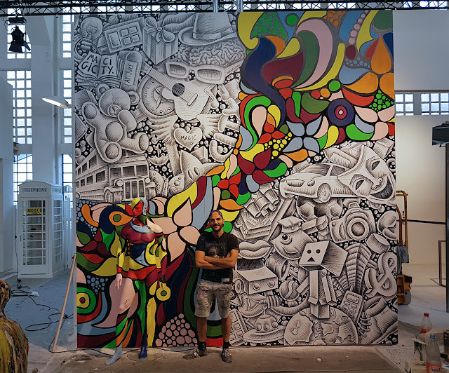 Art performance by Ben Heine - Street Art show Magic City (2016) - Drawing and Painting - #magiccitylife Munich