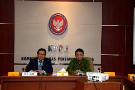 syarat anggota komisi pengawas persaingan usaha