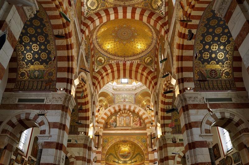 Notre-Dame de la Garde Marseille Innenraum Decke Architektur Kirche Südfrankreich Tasteboykott