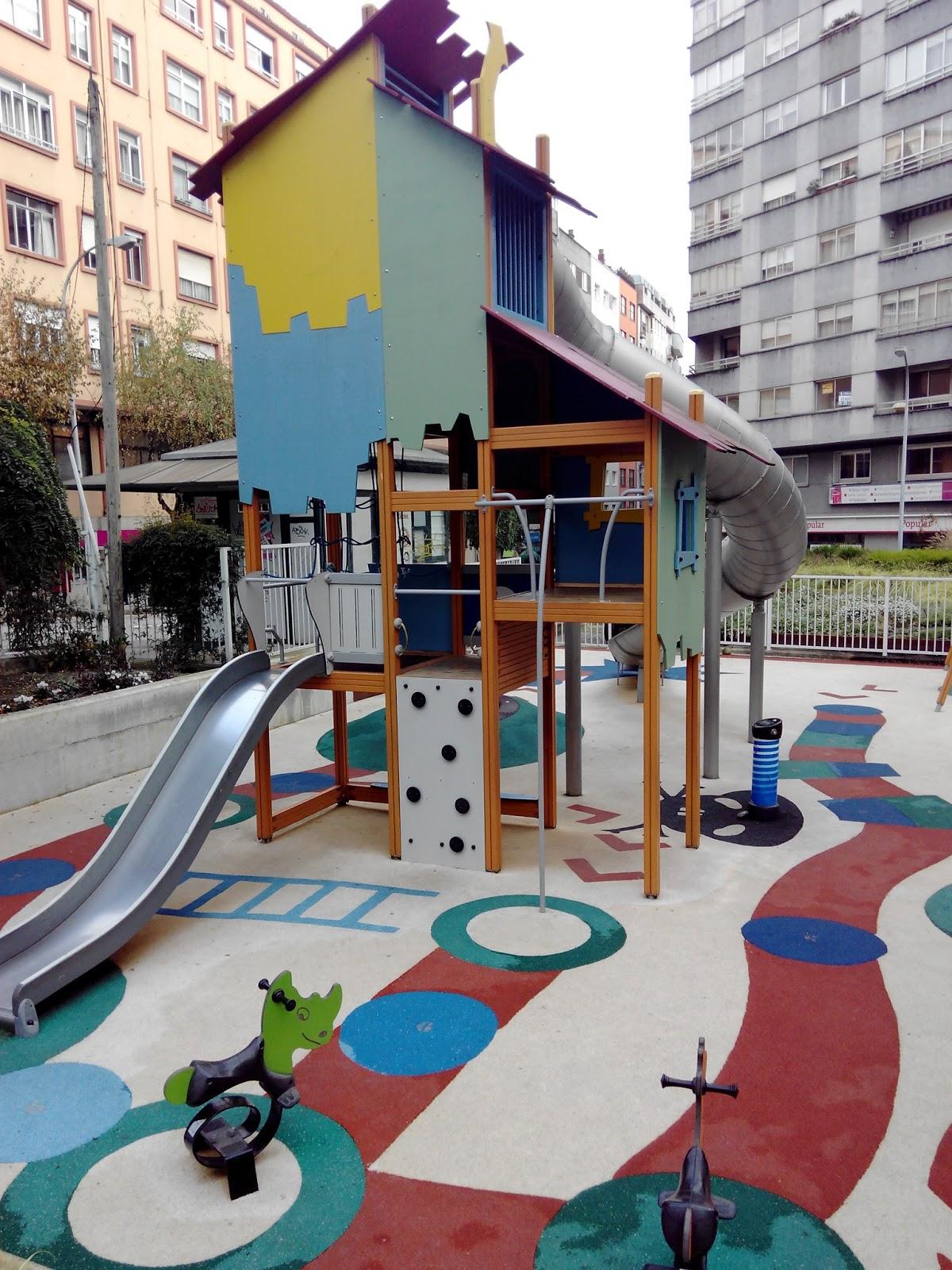 santiago con ni os el parque infantil de la plaza de vigo escapalandia. Black Bedroom Furniture Sets. Home Design Ideas
