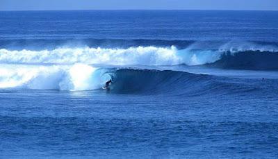 Surfing Pantai O,bak Tujuh