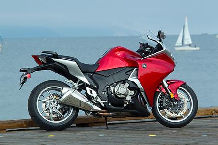 best honda vfr 1200f dct sport pictures motorcycle. Black Bedroom Furniture Sets. Home Design Ideas